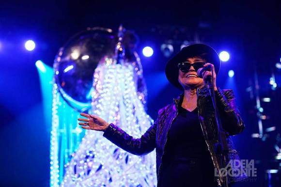 Adela Loconte - Yoko Ono (Barclays Center)